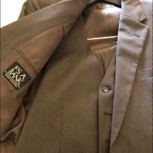 Jos. A. Bank Men's brown pinstriped 3-piece suit